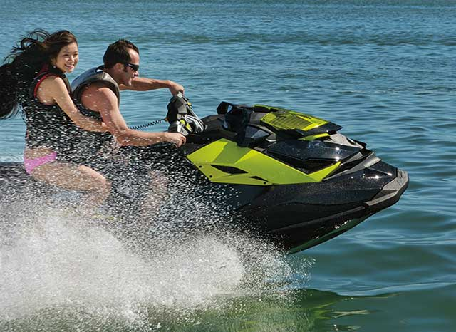 DiscoverBoating---personal-watercraft_Re.jpg